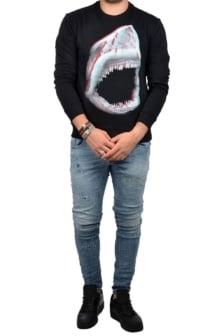 Shark sweater black